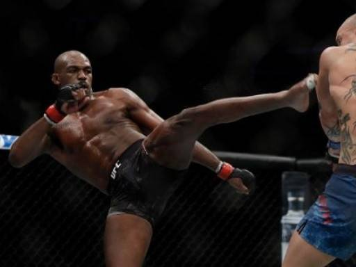 Jon Jones Vs Thiago Santos Prediction and Betting Odds